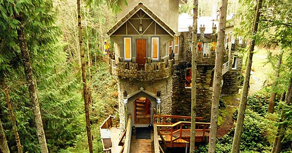A half-dozen delightful houses © Photo courtesy of Realtor.com
