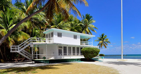 Houseboat beach house | Photo courtesy of Cheri Tindall, Ocean Sotheby's International Realty