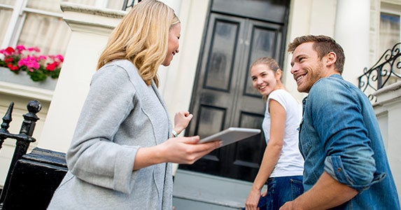 Looking for a home first and a loan later | iStock.com