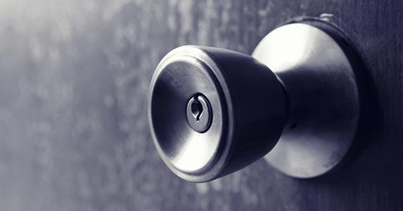 Mystery rooms © gmstockstudio/Shutterstock.com