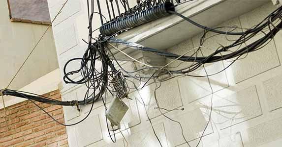 Shocking electrical work   Piotr Sikora/Shutterstock