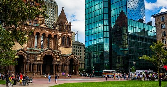 Boston © Jon Bilous/Shutterstock.com