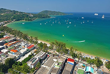 Rent homes abroad: Phuket, Thailand © think4photop/Shutterstock.com