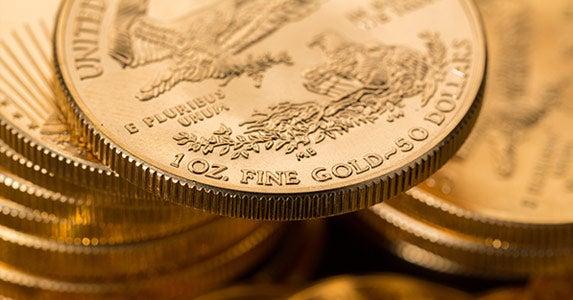 Heads up on coins © Steve Heap/Shutterstock.com