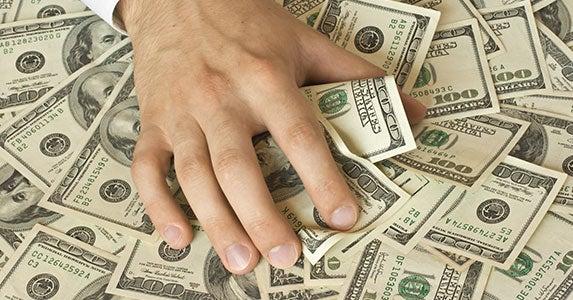 Spouses get the jackpot © f9photos/Shutterstock.com