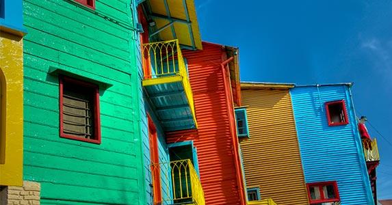 Buenos Aires, Argentina | Daniel Korzeniewski/Shutterstock.com