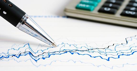 Choose tax-efficient investments © wrangler/Shutterstock.com