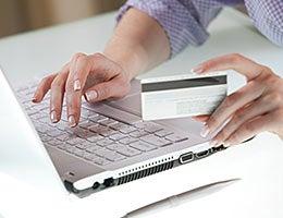 Cash-back cards © Vladimir Gerasimov – Fotolia.com