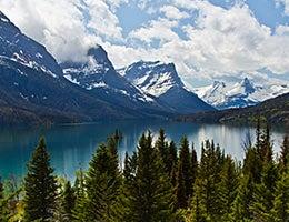 Vacations © e X p o s e/Shutterstock.com