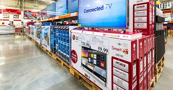 Post-CES sales © mandritoiu/Shutterstock.com
