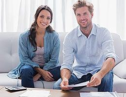 Careful consumers © wavebreakmedia/Shutterstock.com