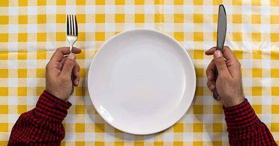 Eat less food © igor.stevanovic/Shutterstock.com