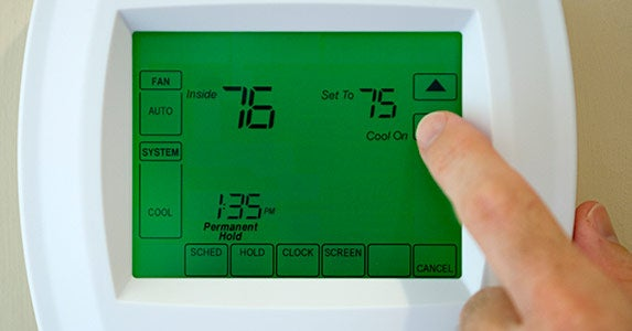 Actually program your thermostat © iStock