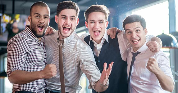 Cutting bachelor party costs © iStock