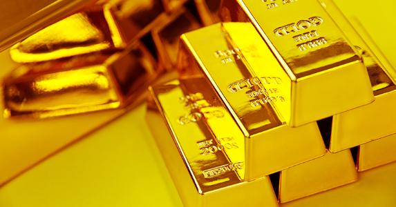 Stack of gold bars © ponsulak/Shutterstock.com