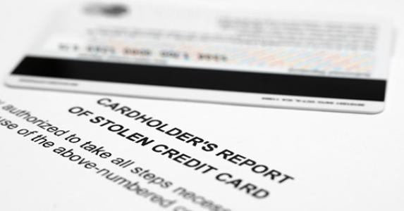 Stolen credit card report © alexskopje/Shutterstock.com
