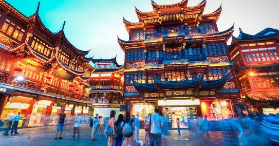 Shanghai Yuyuan garden, China © chungking/Shutterstock.com
