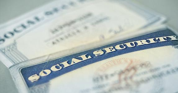 Social security cards © zimmytws - Fotolia.com
