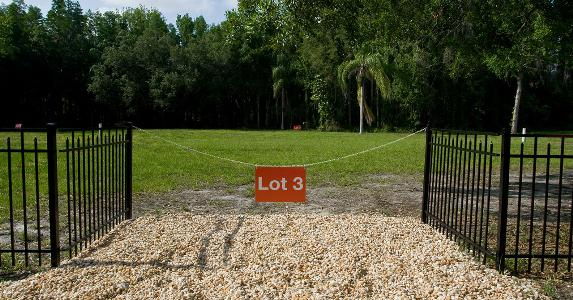 Vacant lot | mce128/Getty Images