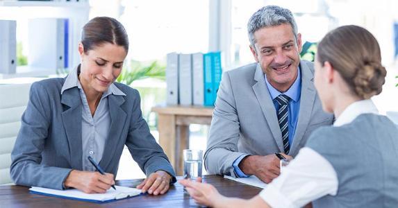Woman meeting two advisers © wavebreakmedia/Shutterstock.com